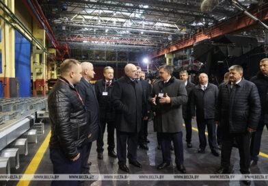 Лукашенко: «Для меня как Президента  это основа — сохранить машиностроение»