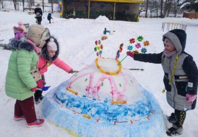 Зимнее  творчество  на радость  детям