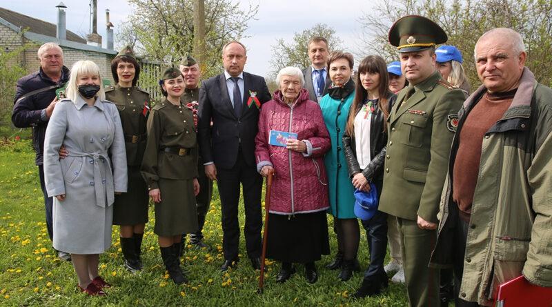 С заботой и вниманием…В Несвижском районе продолжают поздравлять ветеранов и пострадавших в Великой Отечественной войне