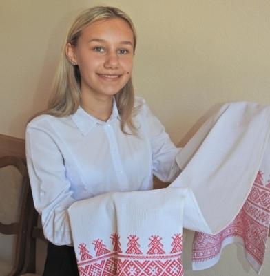 Яна Дорофей со своей работой