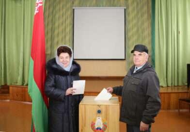 Як праходзіць галасаванне на Беларускім ўчастку № 5 у СШ № 1 г. Нясвіжа
