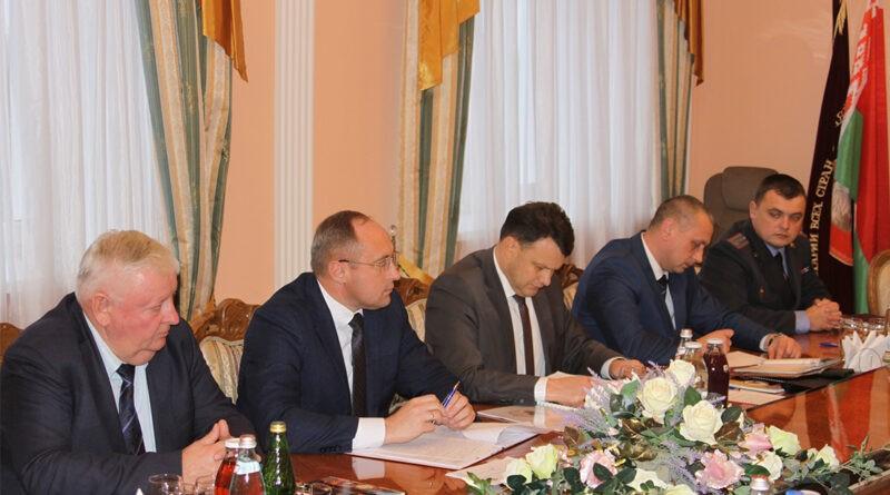 Представители правоохранительных органов из области посетили Несвижский район