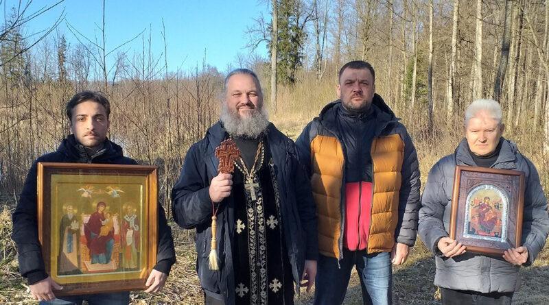 Впервые за многовековую историю города Несвижа православные обнесли свой город святынями