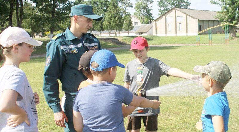 В районе продолжается профилактическая работа в летних оздоровительных лагерях