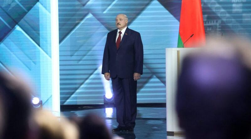 Лукашенко в Послании народу и парламенту: мы сегодня крепко держим в руках будущее независимой Беларуси