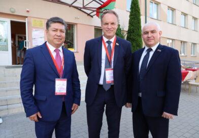 Российский наблюдатель: «Белорусы активно участвуют в выборах»