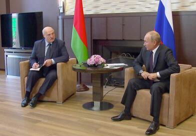"""""""Надо теснее держаться с нашим старшим братом"""" – Лукашенко о сотрудничестве с Россией"""