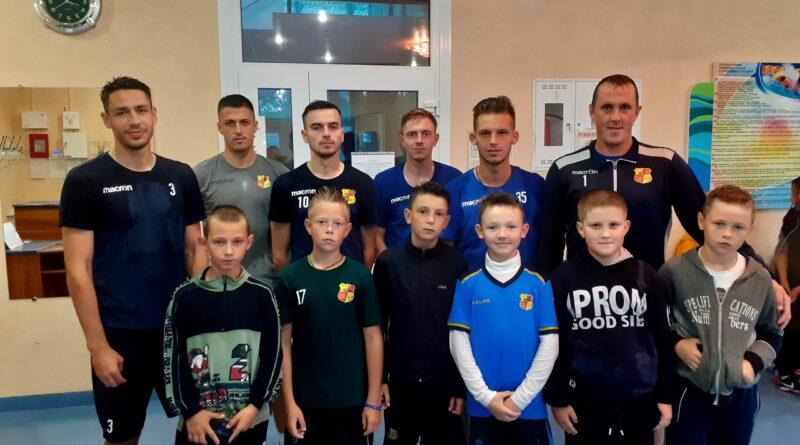 Игроки ФК «Городея» провели мастер-класс для  юных футболистов